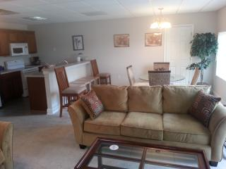 2BD/2BT -1200 Ft Condo in Salisbury , 30 miles from Charlotte