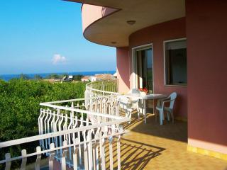 Seaside Apartment under Mount Etna - 7 people