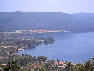 Lake Bracciano only 20 min