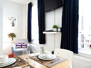Trendy Two Bedroom Camden Apartment, London