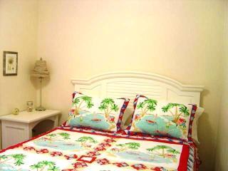 Queen Bed Unit