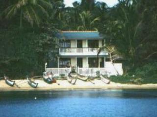 Modern Upstair Beach House in a fishing village, Mirissa