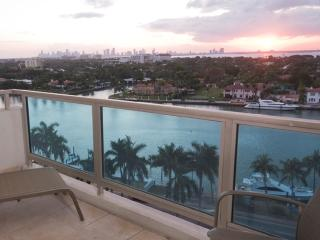 2 Bedroom 2 Bathroom Junior right on the Ocean^, Miami Beach