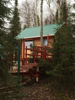 The sleeping cabin, tiny but warm, safe, tranquil. Best of beds (2), handcrafted.