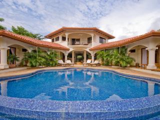 Los Altos de Eros Estate: Sleeps 12 in Luxury- SAVE UP TO 40% DISCOUNT