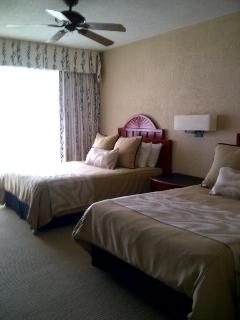 Master room with 2 queen beds