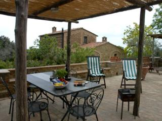 Charming House for 4/6 people next to S. Gimignano