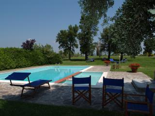 charming holiday home for 6/8 pp near S Giminiano, Montaione