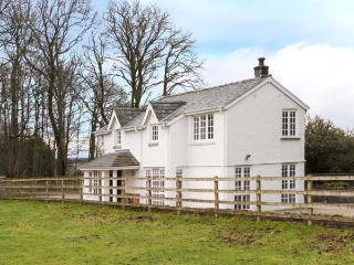 THE LODGE, quality cottage, open plan living, access to parkland, Burton-in-Kendal Ref 903929, Burton in Kendal