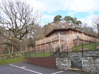 HIGH VIEW LODGE, en-suite facilities, WiFi, on-site facilities including pool, detached lodge near Troutbeck Bridge, Ref. 903990