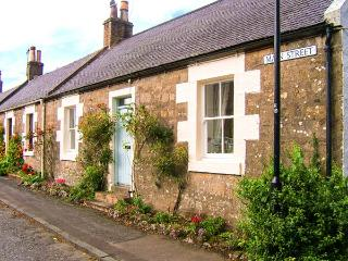 CRAIGVIEW, end-terrace cottage, woodburning stove, off road parking, garden, in Straiton, Ref 904015