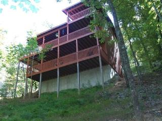 BRAND NEW GAME ROOM in amazing cabin for $125.00, Ellijay