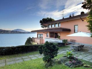 Charming Villa Overlooking Lake Maggiore - Villa Ligia, Stresa