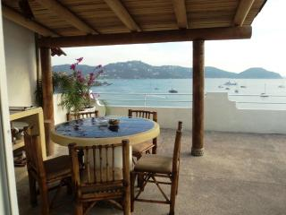 A Room with a View PH ocean front dinning terrace, Zihuatanejo