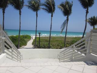 2 Bdrm JR located in the Heart of Miami Beach*