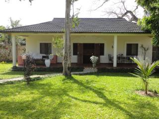 Center Diani - WestWing Cottage