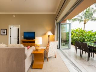Harris Hawaii, Hokulani 110, Walk Out To The Beach And Pool From Your Lanai!