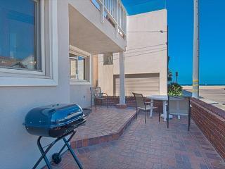 106 A 30th Street- Lower 3 Bedrooms 2 Baths, Newport Beach