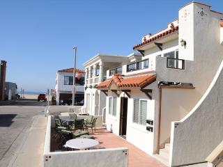 111 A 35th Street- Lower 3 Bedroom 2 Bath, Newport Beach