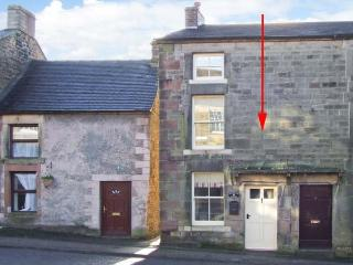 HAROLD'S HOUSE, over three floors, woodburning stove, WiFi, garden, in Longnor, Ref 23093