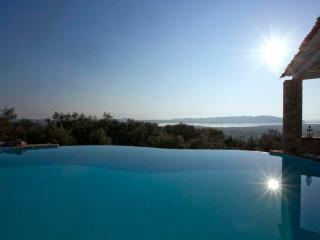 Luxuy Villa Piedra Corfu, Greece, Corfú