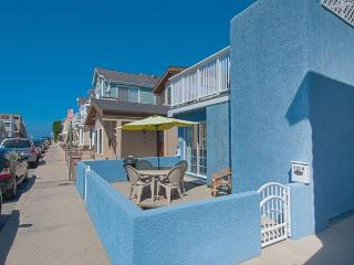 125 A 27th Street- Lower 1 Bedroom 1 Bath, Newport Beach