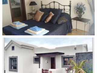 Luxury detached villa overlooking shared pool, Lanzarote