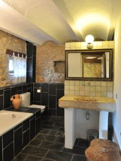 bathroom in el Trull