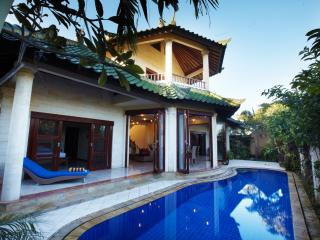 Bali Diamond Estate, 3 Bedroom Ocean View Villa, Keramas