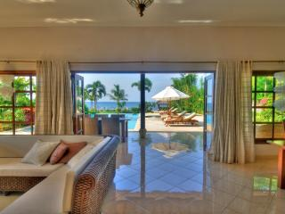 A dream come true at villa Nirwana, breakfast included, private pool and staff.
