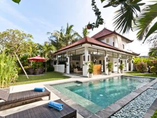 Villa Surga - Near the beach, Seminyak