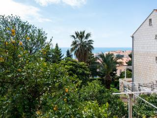 Apartments Astrid- Two-Bedroom Apartment with Balcony and Sea View-A3, Dubrovnik