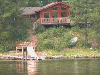 Moyie Lake BC -Beautiful lake front property