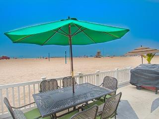 3907 A Seashore- Lower 3 Bedroom 2 Baths, Newport Beach