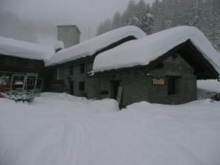 A GOOD SNOWFALL