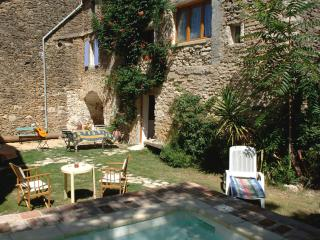 A Stone built house in  Old Village with Pool, Eyne