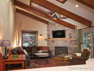 Just remodeled, Free Vail Shuttle, Walk to Gondola, Avon