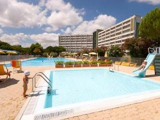 HOLIDAY APARTAMENT - PT.RECANATI 300mt TO THE SEA, Porto Recanati