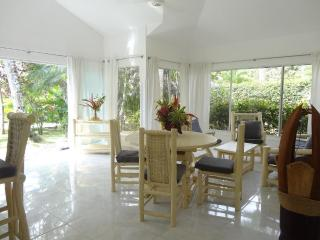 Beautiful villa for 4 persons feet in the water, Las Terrenas
