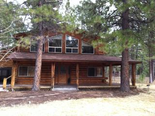 Fabulous Log Home in Sisters Country! Golf, Shop, Explore!!