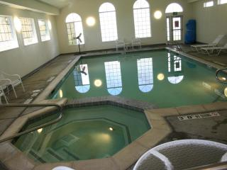 Pool and hot tub at WorldMark club house