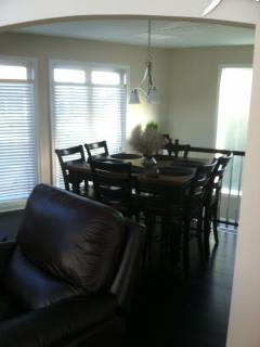 Dining area - 2nd level