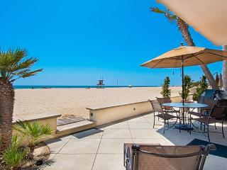 4305 Seashore Drive- Lower 4 Bedroom 2 Baths, Newport Beach