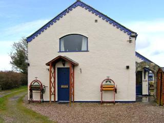 TY LON BACH family-friendly, close to beaches, excellent facilities in Rhoscolyn