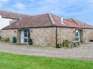 SANDBANK STUD, en-suites, woodburner, pet-friendly, in Sheriff Hutton near