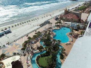 *OceanFront,3bdr,slps10, Daytona Beach