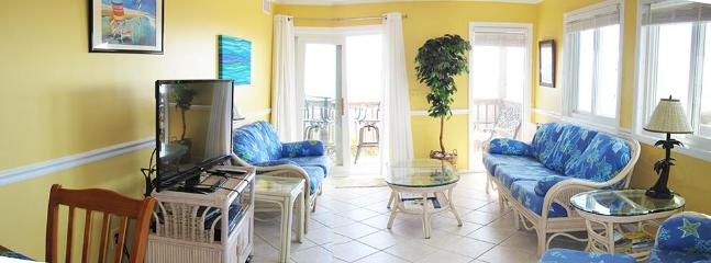 living room (two photos merged: merge settings a bit squonky!)