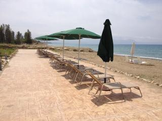 Exclusive Luxury 4 Bed Villa - Private Sandy Beach, Argaka