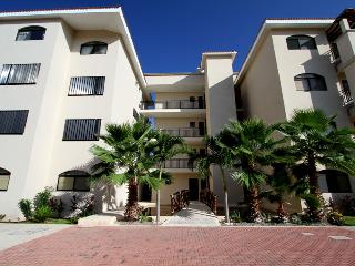 Peaceful and Quaint 2BR Condo - best pool in town, Puerto Aventuras