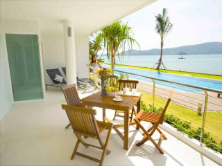 Phuket beachfront suites -3B/R direct pool access, Chalong